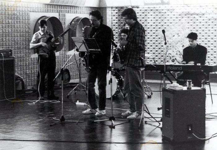 早年Moreno 乐队在意大利米兰演出